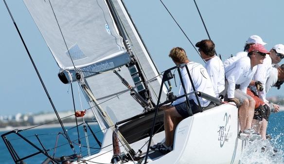 Megles 32 sailing upwing